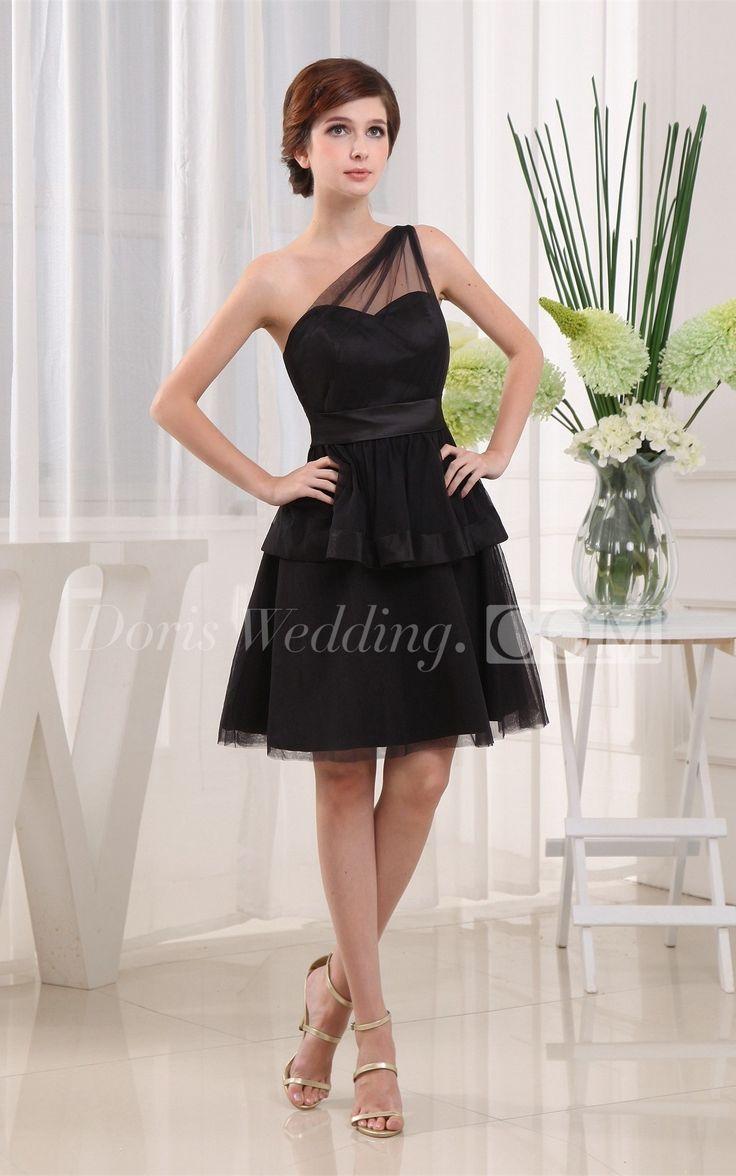 Black dress under white graduation gown - Vintage Scalloped Edge Neckline Lace Bridal Gown With Half Sleeves Graduation Dress