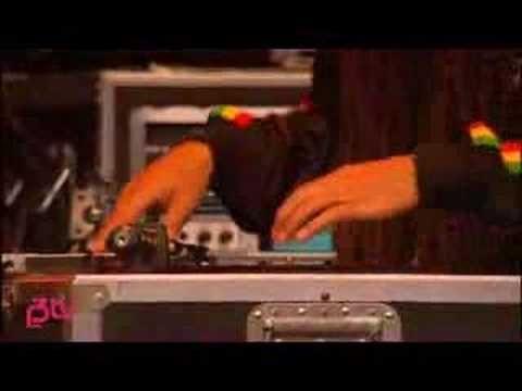 Incubus - Megalomaniac (Live at Hove Festival '07) - YouTube