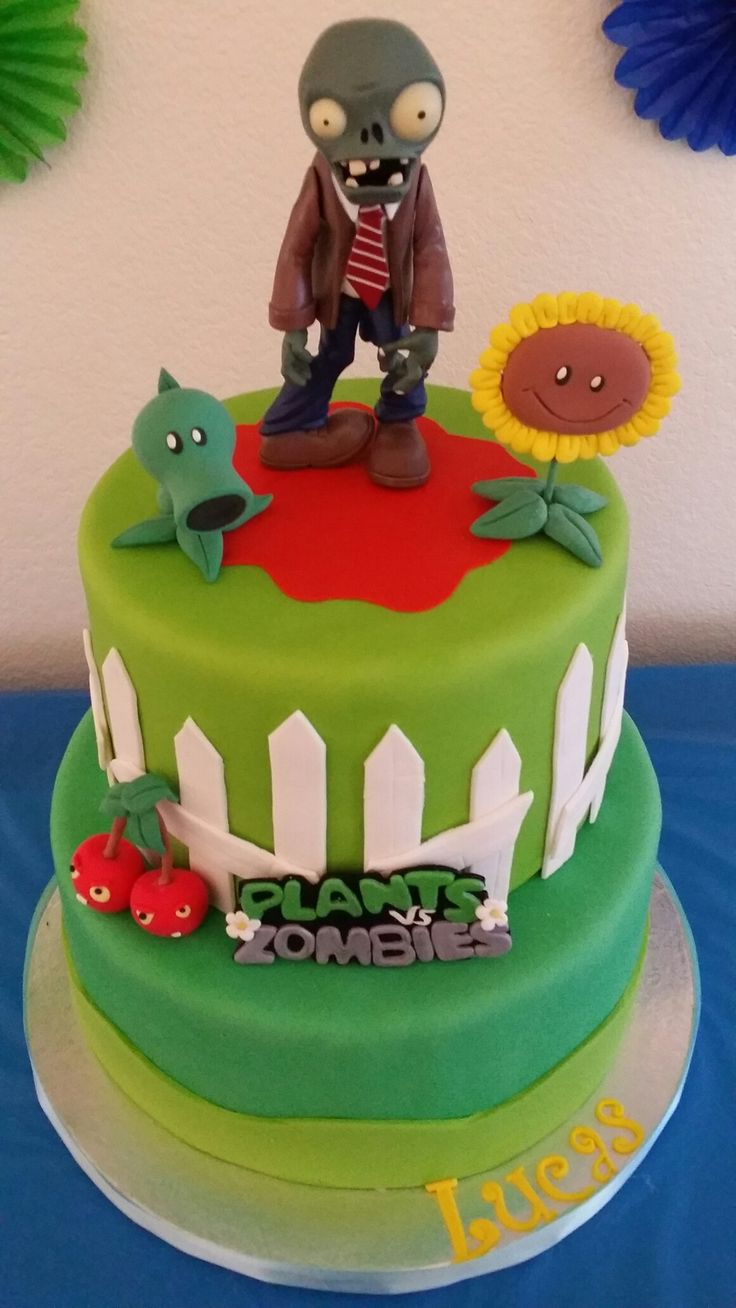 Plants vs Zombies Fondant Cake