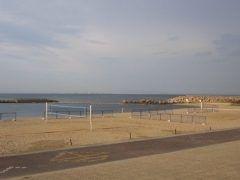 大阪難波から電車で1時間でいけるビーチがときめきビーチ 3月下旬から6月上旬にかけては潮干狩り7月1日から8月下旬までは海水浴場として大勢の人でにぎわう大阪屈指のリゾートビーチになってるんだよね 本格的にビーチバレーを楽しめるから行ってみるといいよ tags[大阪府]