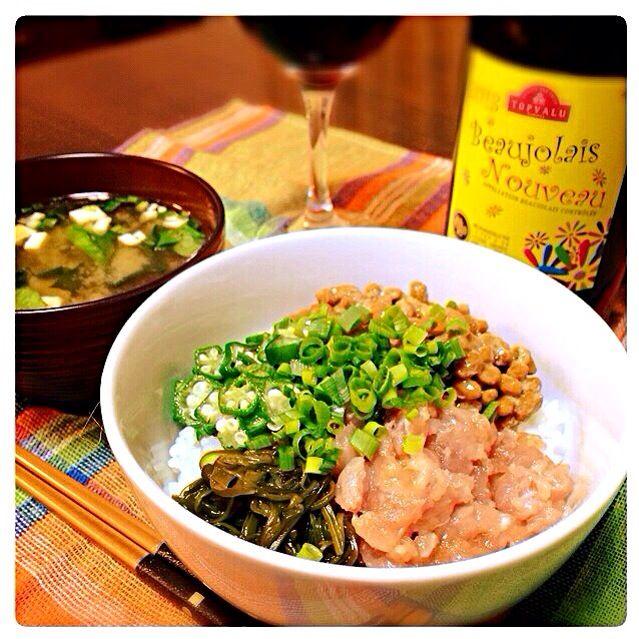 ◼︎ねぎとろ丼(納豆、めかぶ、オクラ) ◼︎海藻サラダをリメイク♡お味噌汁 - 37件のもぐもぐ - ネバ美味♡ねぎとろ丼 by MartMama