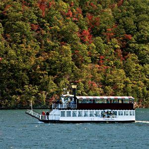 Smith Mountain Lake, Virginia Dare Steamboat Dinner Tour