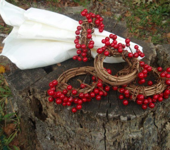 Grapevine and Berry Napkin rings