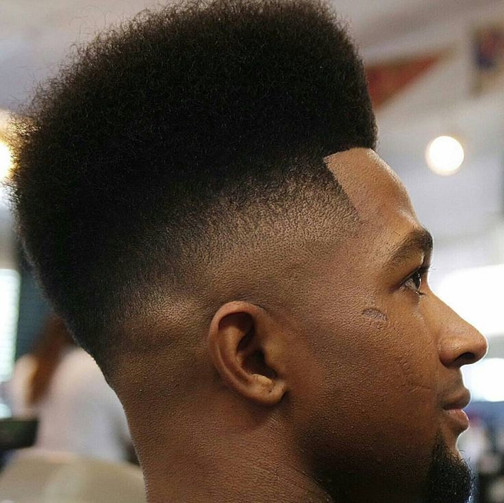 High Top Fade Haircut aka the Hi-top http://www.menshairstyletrends.com/high-top-fade-haircut/ #menshairstyles #menshaircuts #menshair #hairstyesformen #menshair2017 #coolmenshaircuts #blackhair #hightop #hairstylesforblackmen #fadehaircuts #highfades