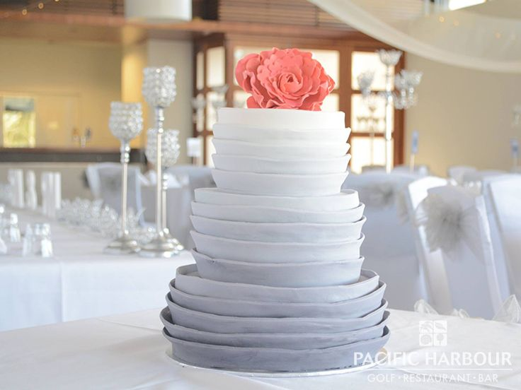 The cake at Lauren and Fabien's wedding, it looked amazing!