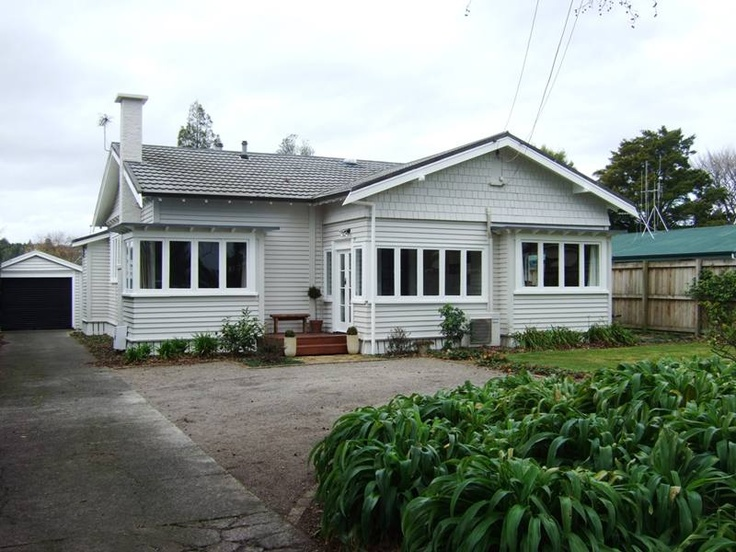 traditional bungalow I'd love to own. On my wish list on trademe.co.nz