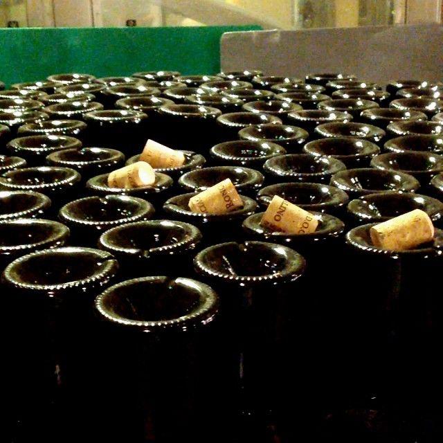 """@Ronco Calino Franciacorta's photo: """"Dégorgement in 15 seconds. #roncocalino #franciacorta #vino #wine #winery #italianwine #sparklingwine #instavino #instawine #instavinho #instagood #lovewine #love #winelovers #like #igersbrescia #newyork #japan #zurich #bestoftheday #picoftheday #photooftheday  #bottle #winemaking #winemagazine"""""""