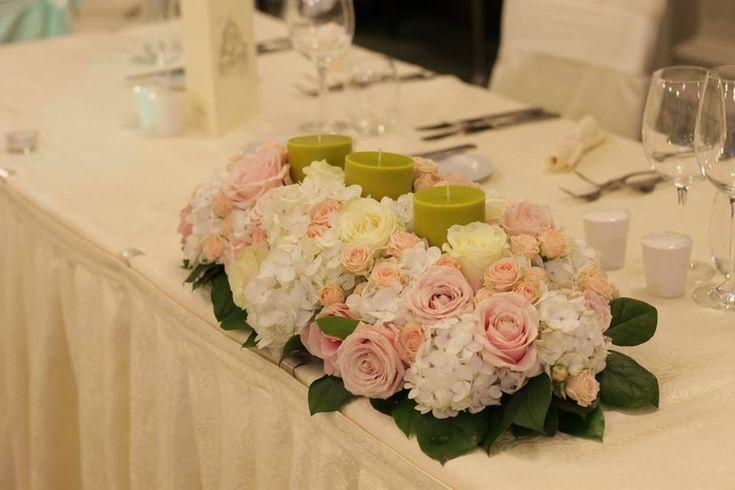 aranjament prezidiu hortensii, aranjament florale prezidiu, aranjament floral prezidiu