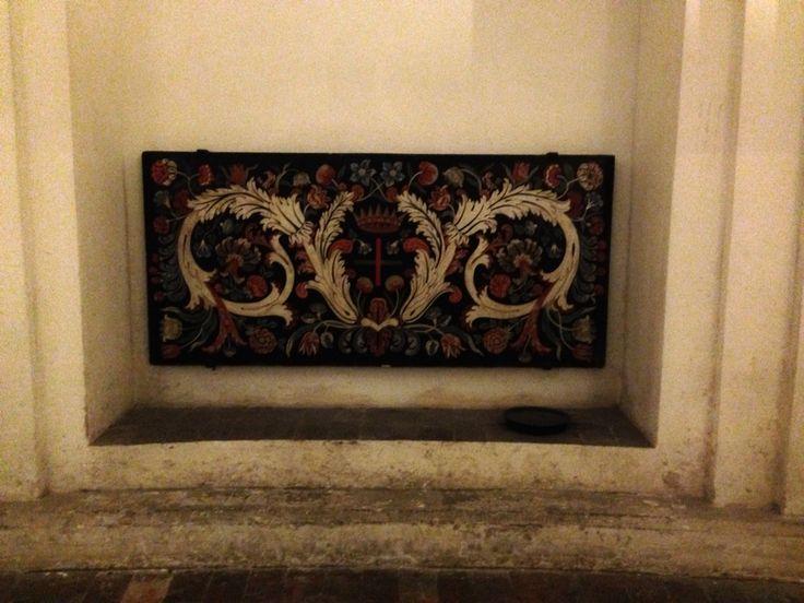 Dinsdag 6 oktober Een schildering op de muur in de crypte van de San Carlo alle Quattro Fontane. In de crypte is voor Borromini een nis gemaakt zodat hij in de crypte kon worden bijgezet maar omdat hij zelfmoord pleegde in 1667 hebben ze hem niet bijgezet in de crypte.