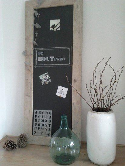 Hip magneet/krijtbord met steigerhouten rand van 8 cm!