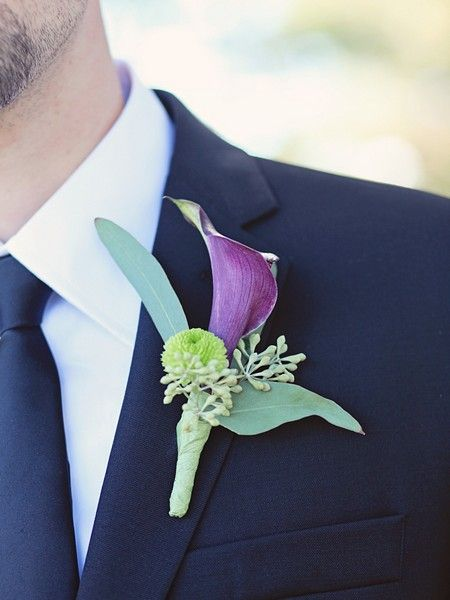 Love this boutonniere by Apple Blossom Flowers, shot by Toronto's K. Thompson Photography!
