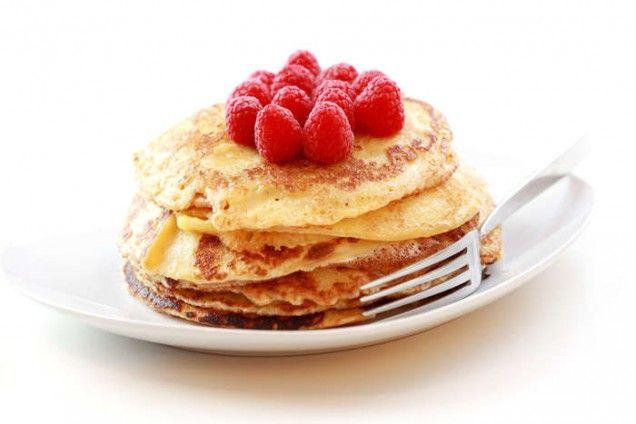 Recept på LCHF pannkakor med fiberhusk som är perfekta att äta till frukost eller mellanmål. Bra LCHF mat som går snabbt att göra och håller dig mätt länge!