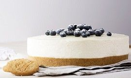 Nepečený cheesecake s borůvkami