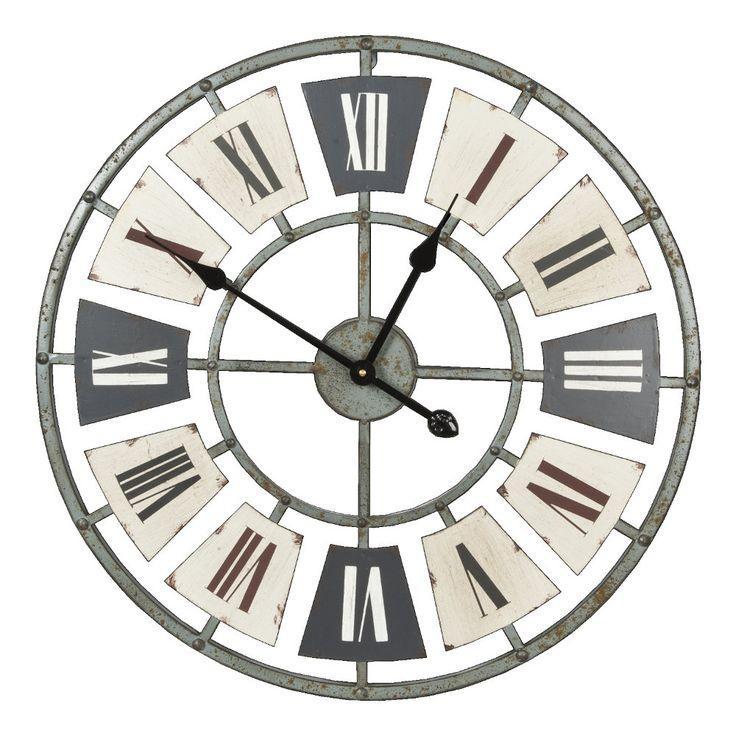 Orologio da parete in mdf caratterizzato da cifre in numero romano, dalle tonalità che ben si adattano a qualunque ambiente, e dalle linee semplici e raffinate. Ideale per completare l'arredo di una casa dallo stile rustico.