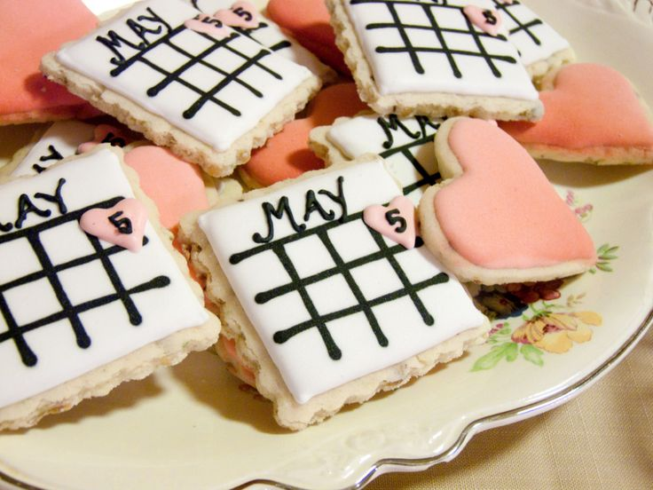 "These sweet treats are a fun way to ""save the date"" at your #bridalshower!Shower Ideas, Engagement Parties, Wedding Showers, Dates Cookies, Wedding Shower Cookies, Bridalshower, Wedding Cookies, Baby Shower, Bridal Showers"