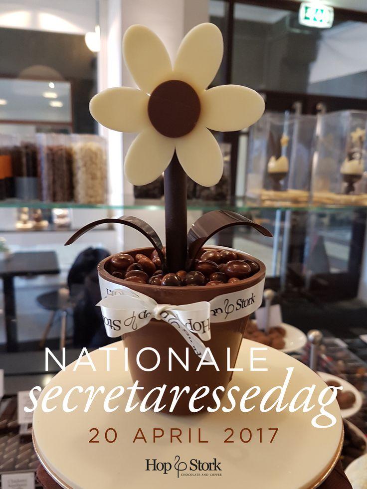 Reminder: het is Nationale Secretaressedag vandaag! Dus een praline of andere chocola mag op deze dag niet ontbreken! www.hopenstork.com