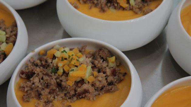 mignon de veau, purée de patate douce, chou-fleur, carottes et poireau glacés. (version bébé)