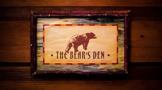 Bear's Den | Spend an evening in front of a crackling fire or watching the moon rise from the large screen porch overlooking Big Spider Lake. Greet the morning with a hearty gourmet style breakfast, served to you in the beautiful dining room with a lakeside view. Then take advantage of all the area has to offer.