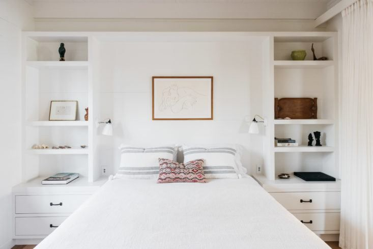 Roberto Sosa Beach House Bedroom - built in shelving. nice balance of sizing for shelves