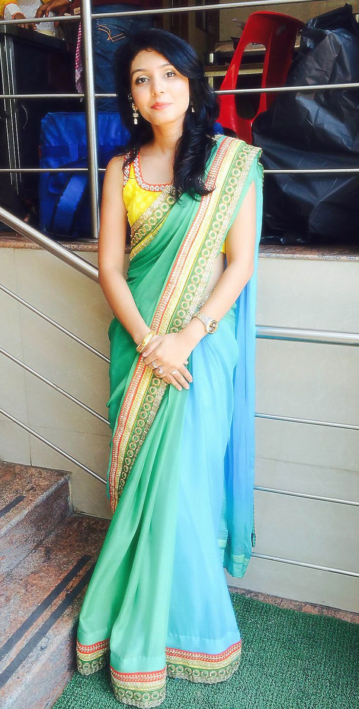 Just wink's green and blue ombre saree..