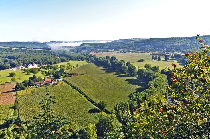 The Vézère Valley in Dordogne. In this valley of the Dordogne, prehistoric men first took root. The Lascaux cave is located in the region. The National Prehistory Museum was founded in the valley, Les Eyzies de Tayac Sireuil. © lamio - Fotolia.com