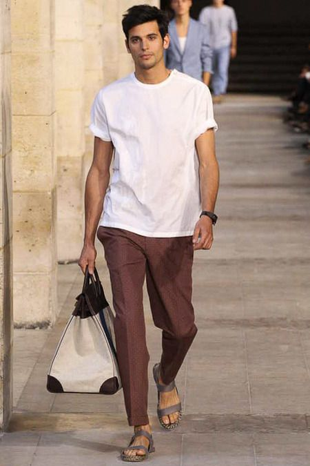 Hermès Spring 2014 Menswear Collection #Elegantly #légère ... not much more needed to bring that life Flair across. #