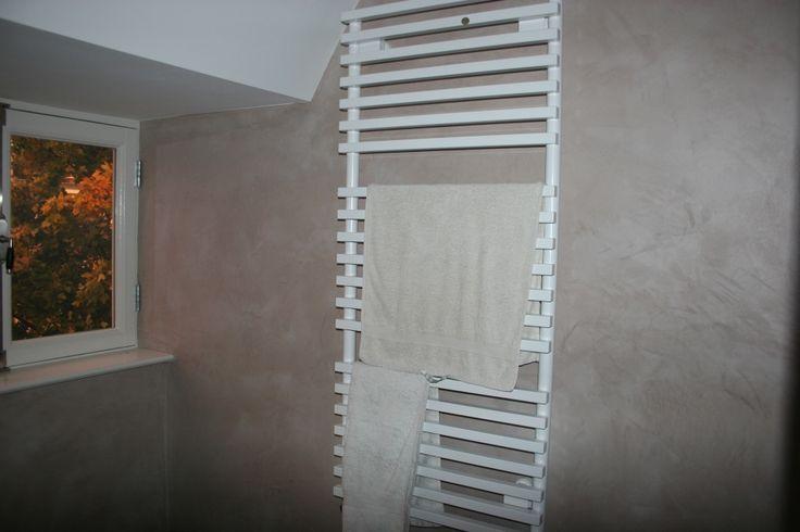 BetonLook Badkamer Beton Cire in natte ruimtes, Betonlook afwerking met Betonstuc en BetonCire