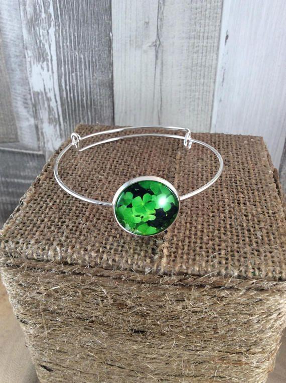 Saint Patricks day, Ladies bracelet, Green jewellery, Clover bracelet, Lucky bracelet, Expandable bangle, Adjustable bracelet, Gift for her