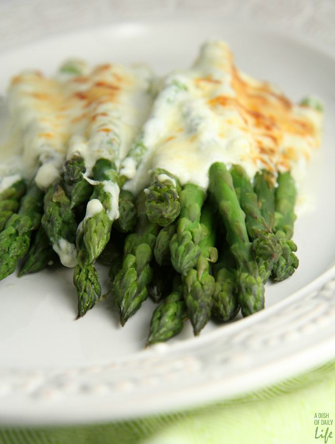 Asparagus Gratin...an easy but elegant side dish recipe that will WOW your holiday guests! Recipe from the free eCookbook Chef Creations Inspired by Hood Cream. ad #CookWithHood #IC