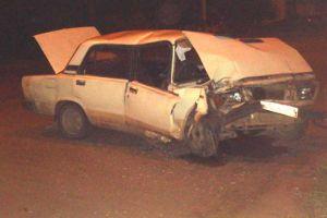 В Тамбове пьяный водитель врезался в столб пострадал 13-летний пассажир.  4 августа в полночь в Тамбове произошло ДТП. В районе дома 65 на улице Пролетарской 34-летний водитель ВАЗ-21074 в пьяном состоянии наехал на световую опору. В результате ДТП пострадал пассажир автомобиля 13-летний мальчик. Его с переломом нижней трети голени правой ноги со смещением и закрытой черепно-мозговой травмой на скорой помощи доставили в Детскую областную больницу Тамбова.  Как сообщает региональное…