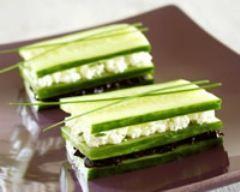 Bouchées de concombre au fromage de chèvre (facile, rapide) - Une recette CuisineAZ