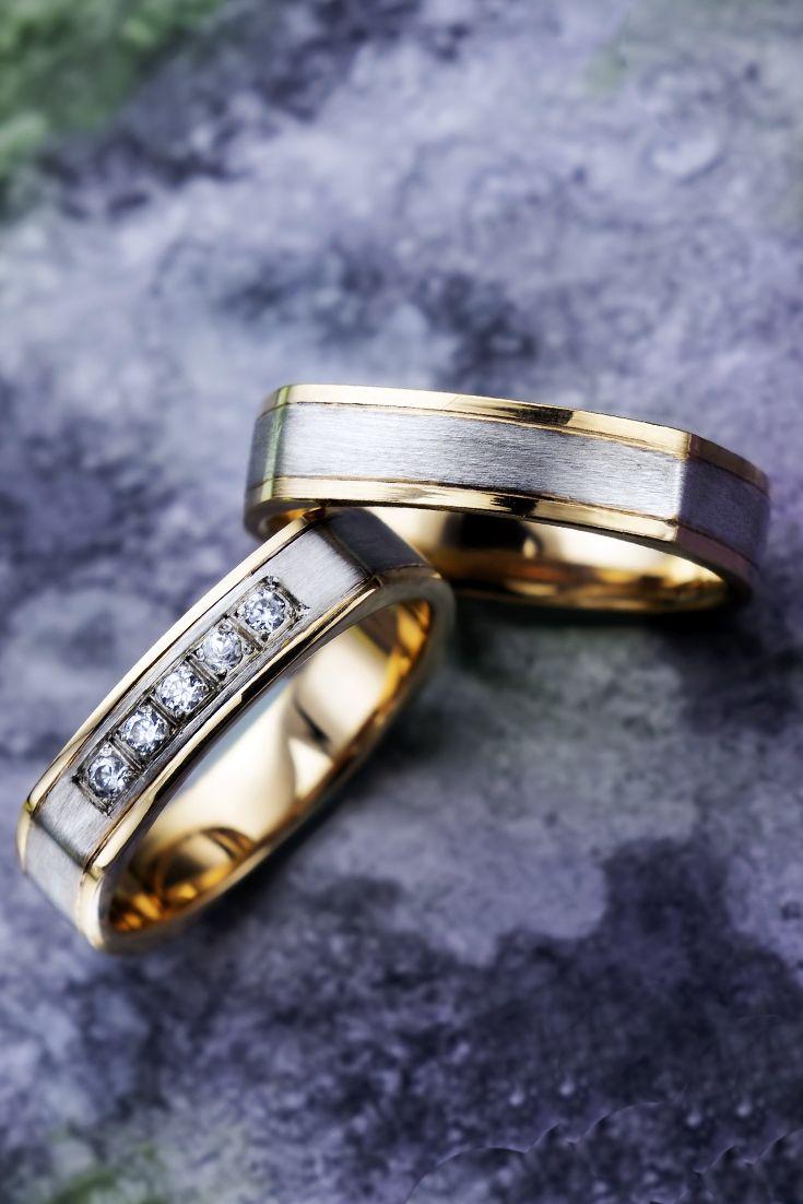 Необычные квадратные обручальные кольца