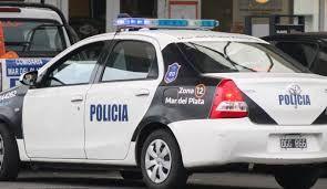 Un hombre que vendió a su hija de 16 años y un gitano de 74 años que la compró en la ciudad de Mar del Plata por 200 mil pesos fueron deten...