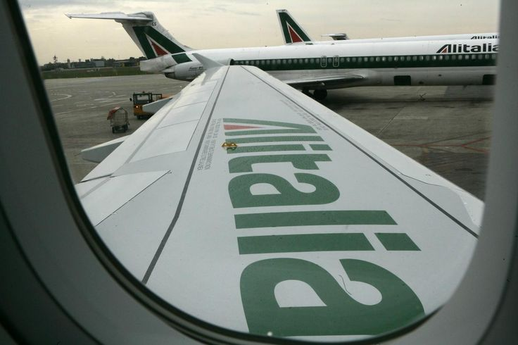 """Gli emiri di Abu Dhabi stanno assestando un doppio colpo in Italia.La compagnia di bandiera, si avvia ormai """"volare a nozze""""ma nel mirino degli emiri adess"""