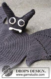 """DROPS Halloween: Sottopiatto DROPS a forma di pipistrello lavorato all'uncinetto in """"Muskat"""". ~ DROPS Design"""