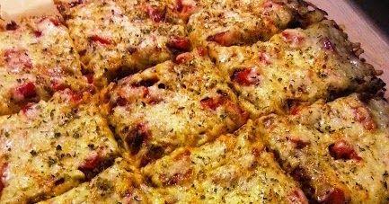 Pizzapohja on helppo ja nopea tehdä itse. Tein tänään mieheni kanssa pizzaa. Gluteenittomaksi pohjaksi löytyi Valion sivulta hyvä pohja, ...