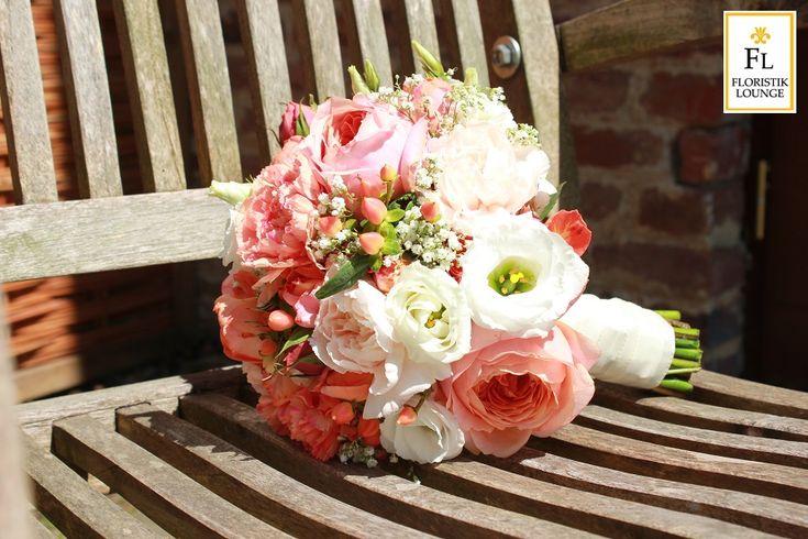 Floristik Lounge   Ballons, Blumen, Hochzeit für Köln - Floristik Lounge ist Ihr Partner für Blumen, Blumenabos, Hochzeitsdekorationen, Eventfloristik und vieles mehr für Köln Lövenich, Müngersdorf, Junkersdorf, Widdersdorf, Weiden sowie Pulheim, Brauweiler und Frechen. Unser Blumen-Lieferservice für den Kölner Westen bringt Ihnen zeitgenössische Blumensträuße, Empfangsgestecke und Schnittblumen direkt zu Ihnen nach Hause.
