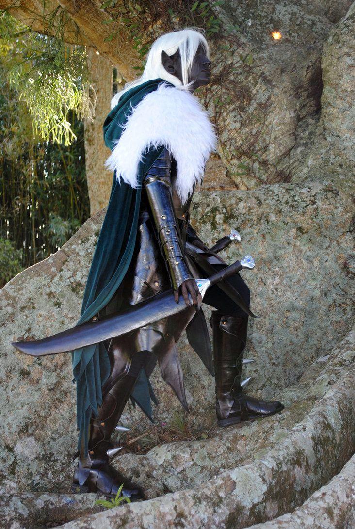 Cosplay de Drizzt Do'Urden  http://frikinianos.es/drizzt-do-urden-el-elfo-oscuro/ #cosplay #Drizzt #elfo #oscuro #Dungeons&Dragons #ReinosOlvidados