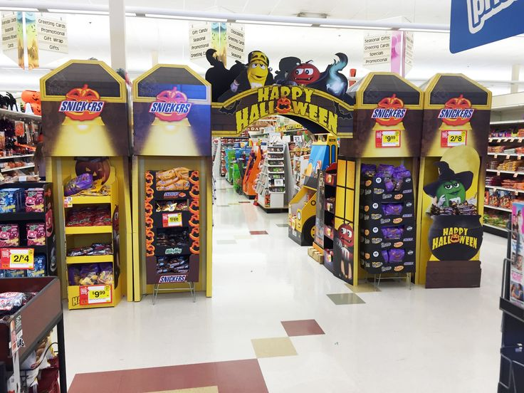 Stop and Shop supermarket. Halloween display.