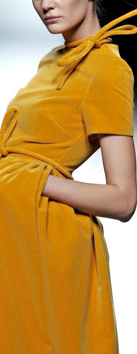 Velvet Mustard Dress - Vestido de terciopelo color amarillo mostaza