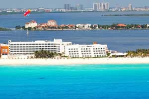Flamingo Cancun Resort, Cancun. #VacationExpress