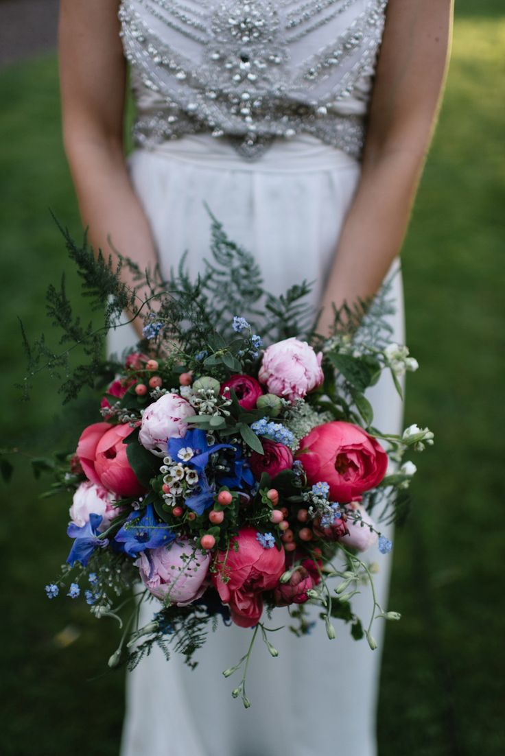 Colourful wedding bouquet | Photography by http://www.nikkileadbetter.com/