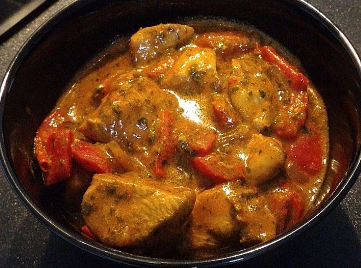 Low Carb Rezepte: Low carb Hähnchengulasch-Suppe