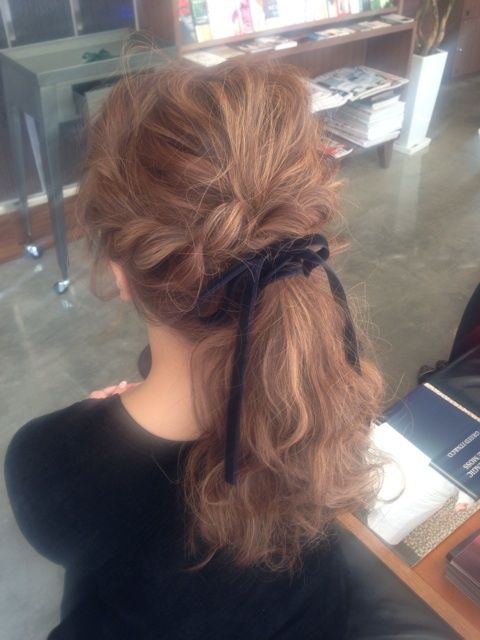 Ponytail with bow <3