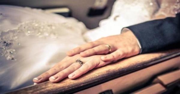 امرأة من حلب تخطب لزوجها فتاة فائقة الجمال لإشباع رغباته الجنسية قصة مثيرة Hands