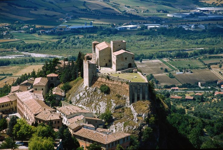 """Verucchio in provincia di Rimini - Rocca Malatestiana detta """"Rocca del Sasso"""""""