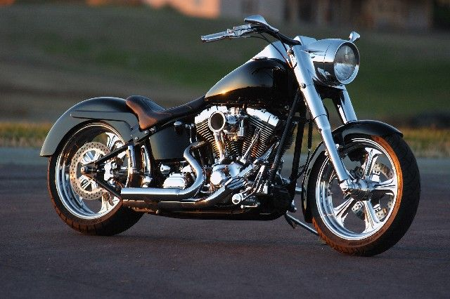 Harley Davidson. Those crotch rockets are for boys. THIS is what a man rides.