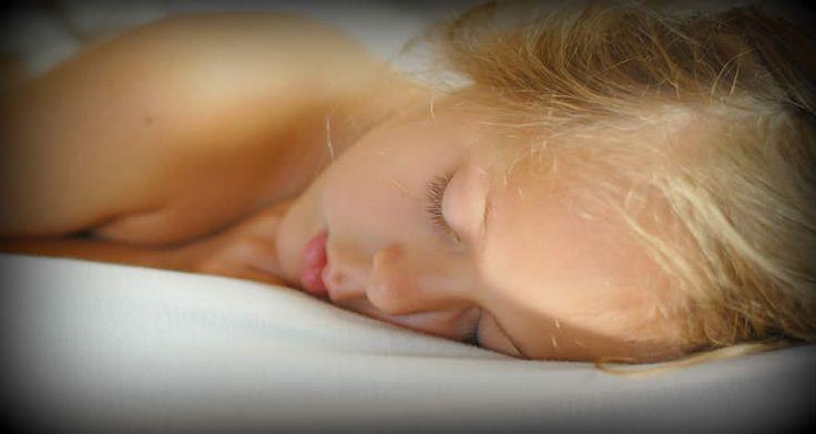 Twin Study Suggests Genetic Factors Contribute to Insomnia in Children and Teens: http://neurosciencenews.com/insomnia-sleep-genetics-childhood-1674/ via @NeuroscienceNew
