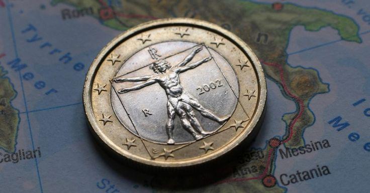 Italien steht auf der Kippe zur Zahlungsunfähigkeit. Bei einer Pleite wird Deutschland zur Kasse gebeten, denn über den Target 2 Mechanismus bürgt Deutschland mit 364 Milliarden Euro. Zum Vergleich: Der Bundeshaushalt für 2017 beinhaltet Ausgaben in Höhe von 329,1 Milliarden Euro.