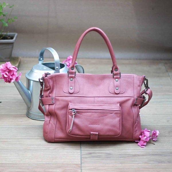 Sabrina Paris inspiration Balenciaga sac vieux rose